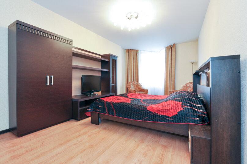 1-комн. квартира на 2 человека, улица Бажова, 68, Екатеринбург - Фотография 2
