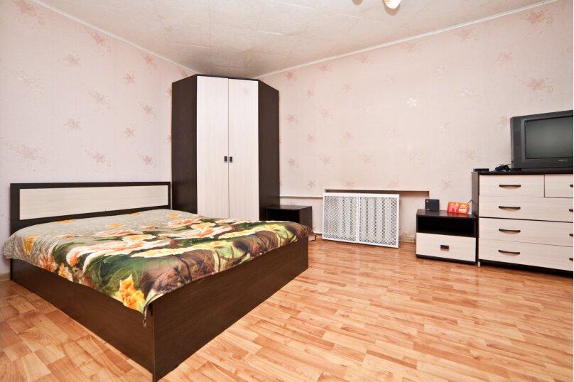1-комн. квартира, 30 кв.м. на 4 человека, улица Азина, 20к3, Екатеринбург - Фотография 3