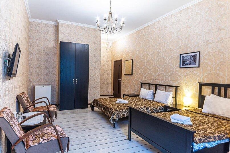 Трехместный номер эконом с  общей ванной комнатой, улица Некрасова, 58, Санкт-Петербург - Фотография 1