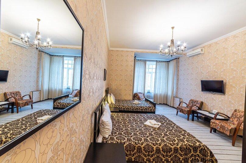 Семейный номер, улица Некрасова, 58, Санкт-Петербург - Фотография 1