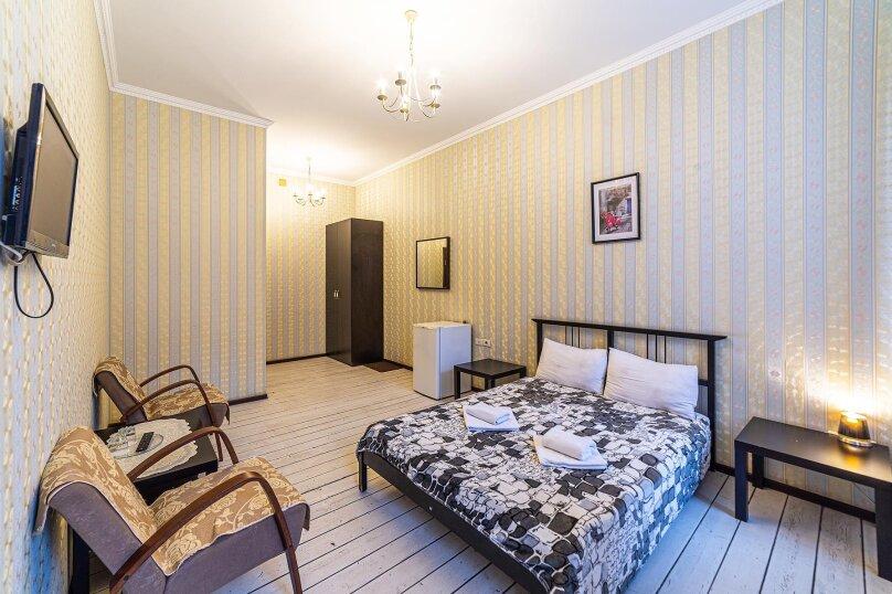 Двухместный номер эконом с общей ванной комнатой, улица Некрасова, 58, Санкт-Петербург - Фотография 1