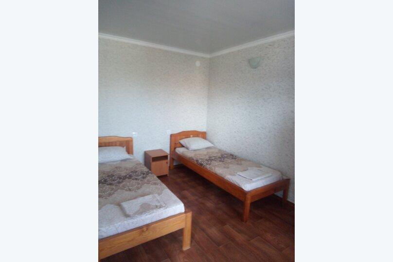 Отдельная комната, улица коммунистическая, 10, Штормовое - Фотография 2
