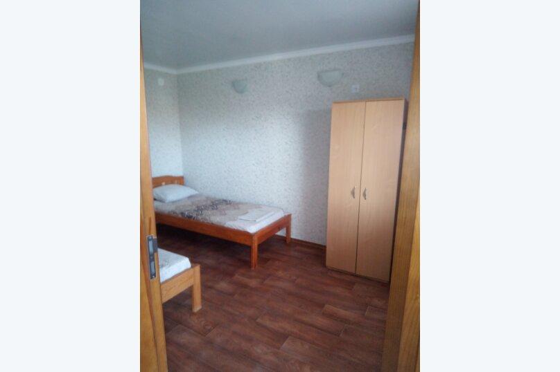 Отдельная комната, улица коммунистическая, 10, Штормовое - Фотография 3