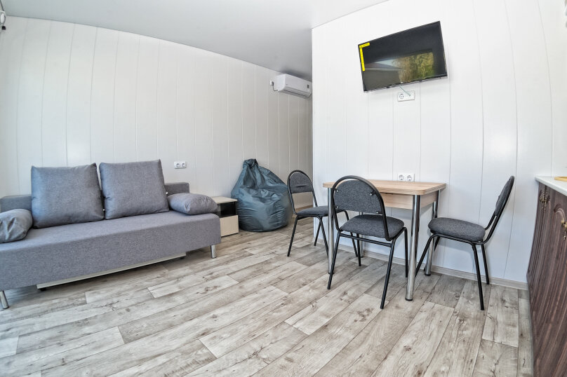 Трехкомнатный люкс, улица Анджиевского, 52, село Мысовое - Фотография 2