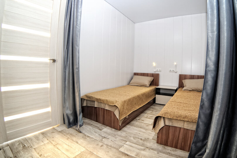 Трехкомнатный люкс, улица Анджиевского, 52, село Мысовое - Фотография 4