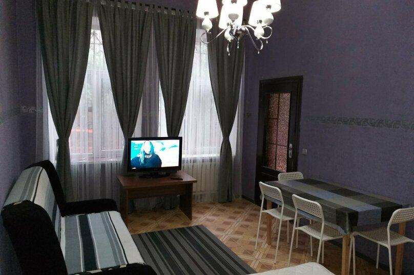 2-комн. квартира, 37 кв.м. на 6 человек, Боткинская улица, 23, Ялта - Фотография 1