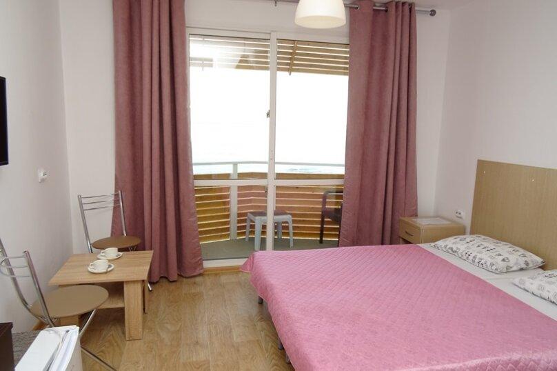 Двухместный номер с 1 кроватью, балконом и видом на море, Аллейная улица, 11А, Адлер - Фотография 1