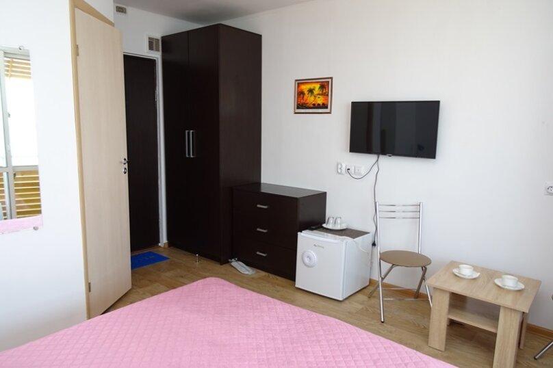 Двухместный номер с 1 кроватью, балконом и видом на море, Аллейная улица, 11А, Адлер - Фотография 2
