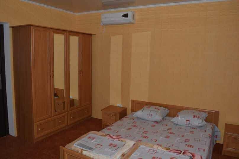 Трехкомнатный дом, 80 кв.м. на 6 человек, 3 спальни, улица Победы, 18, Коктебель - Фотография 6
