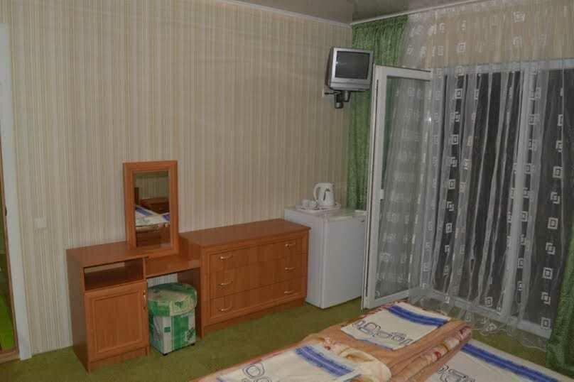 Трехкомнатный дом, 80 кв.м. на 6 человек, 3 спальни, улица Победы, 18, Коктебель - Фотография 9