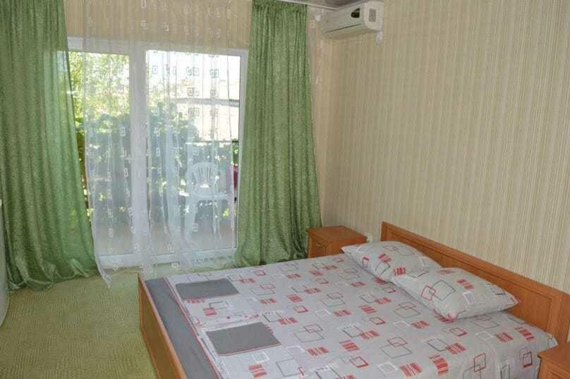 Трехкомнатный дом, 80 кв.м. на 6 человек, 3 спальни, улица Победы, 18, Коктебель - Фотография 18