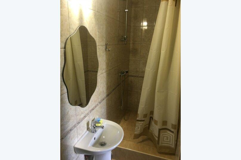 Номер с душем и санузлом, улица Вересаева, 8А, Феодосия - Фотография 6