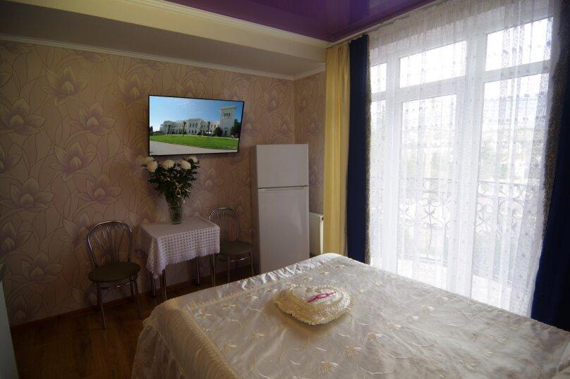 Двухместный номер Делюкс с 1 кроватью и балконом, улица Саранчева, 36, Алушта - Фотография 5