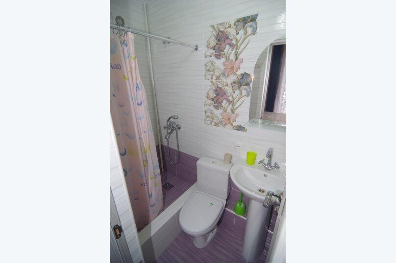 Двухместный номер Делюкс с 1 кроватью и балконом, улица Саранчева, 36, Алушта - Фотография 7