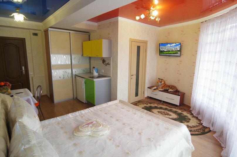 Двухместный номер с 1 кроватью с видом на море, улица Саранчева, 36, Алушта - Фотография 1