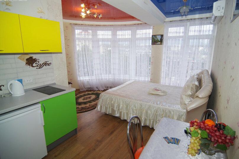 Двухместный номер с 1 кроватью с видом на море, улица Саранчева, 36, Алушта - Фотография 2