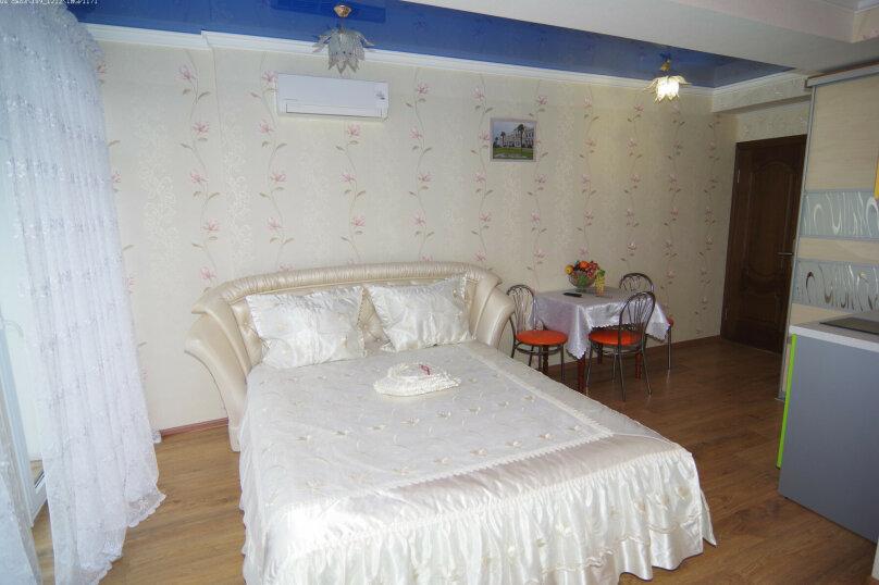 Двухместный номер с 1 кроватью с видом на море, улица Саранчева, 36, Алушта - Фотография 3