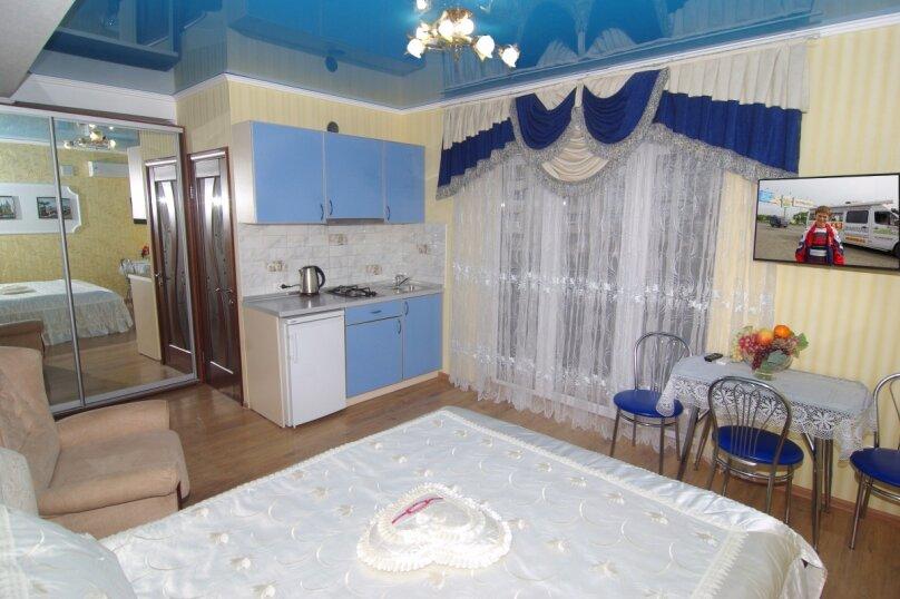 Трехместный номер Делюкс, улица Саранчева, 36, Алушта - Фотография 2