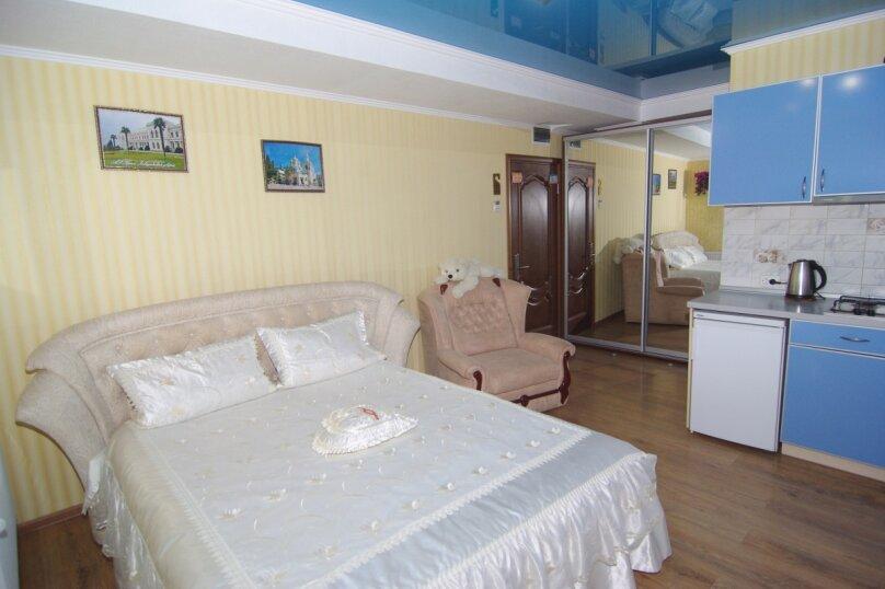 Трехместный номер Делюкс, улица Саранчева, 36, Алушта - Фотография 3