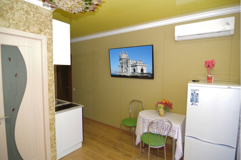 Двухместный номер Делюкс с 1 кроватью, улица Саранчева, 36, Алушта - Фотография 4