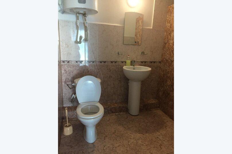 """Гостевой дом """"У Роберта"""", Весенняя улица, 26 на 10 комнат - Фотография 17"""