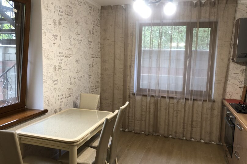 """Этаж с отдельным входом в частном доме """"На Первомайской, 34"""", Первомайская улица, 34 на 2 комнаты - Фотография 7"""