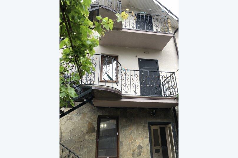 """Этаж с отдельным входом в частном доме """"На Первомайской, 34"""", Первомайская улица, 34 на 2 комнаты - Фотография 18"""