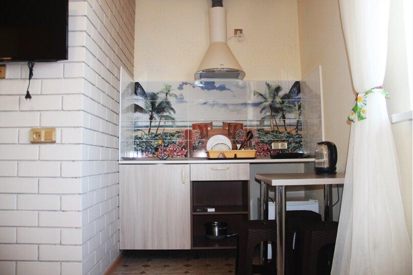 Четырехместный  2х комнатный номер с собственной ванной комнатой и миникухней, улица Виктора Щепетева, 4, Анапа - Фотография 3