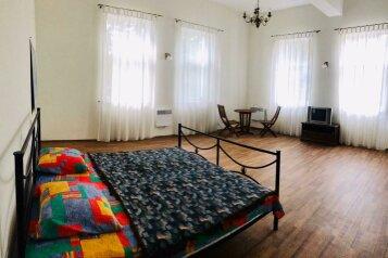 Дом, 500 кв.м. на 12 человек, 4 спальни, улица Ленина, 56, Алупка - Фотография 1