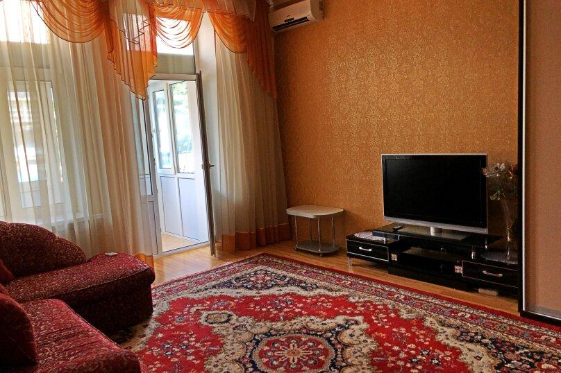 2-комн. квартира, 70 кв.м. на 4 человека, улица Игнатенко, 3, Ялта - Фотография 2