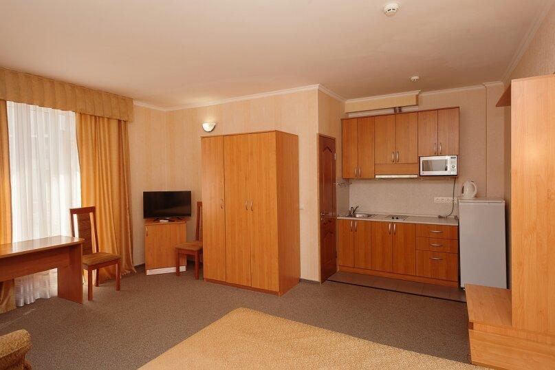 Отдельная комната, улица Луначарского, 133, Геленджик - Фотография 1