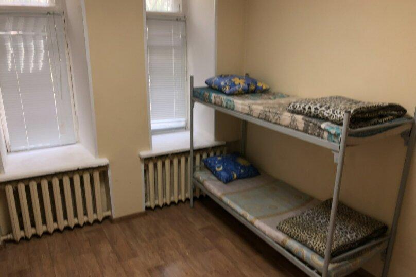 Спальное место в общем номере на 12 человек, Измайловское шоссе, 57, Москва - Фотография 1
