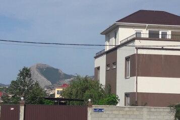 Дом, 150 кв.м. на 10 человек, 4 спальни, Восточное шоссе, 46, Судак - Фотография 1