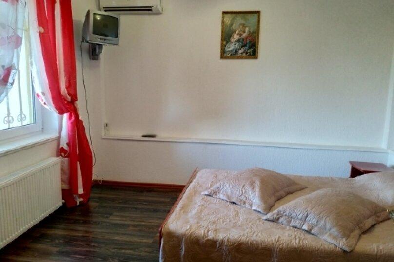"""Коттедж """"Чаир"""" с бассейном, 250 кв.м. на 10 человек, 4 спальни, Алупкинское шоссе, 85, Гаспра - Фотография 48"""