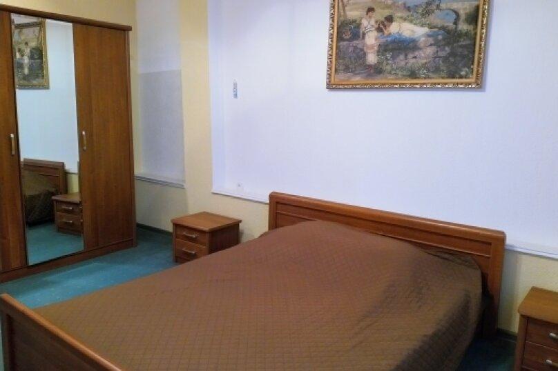 """Коттедж """"Чаир"""" с бассейном, 250 кв.м. на 10 человек, 4 спальни, Алупкинское шоссе, 85, Гаспра - Фотография 55"""