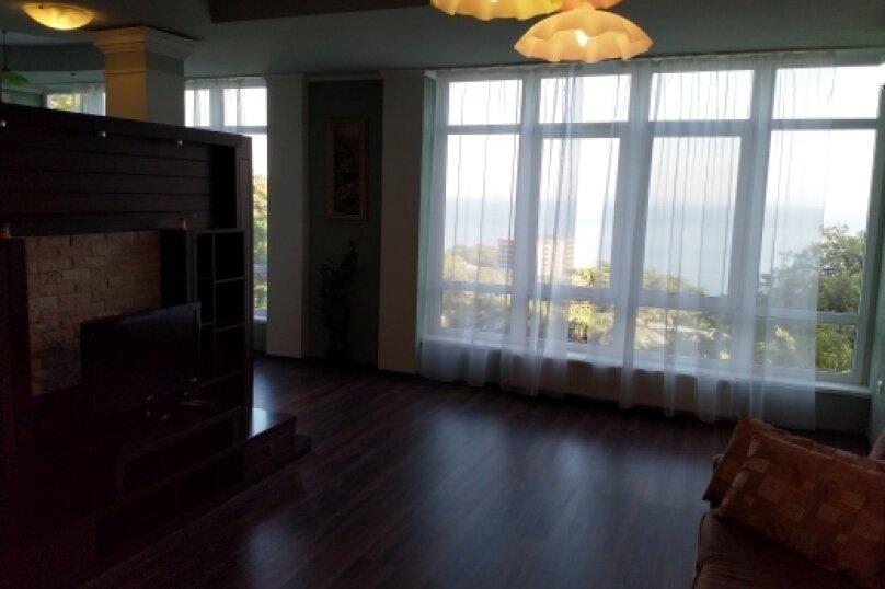 """Коттедж """"Чаир"""" с бассейном, 250 кв.м. на 10 человек, 4 спальни, Алупкинское шоссе, 85, Гаспра - Фотография 60"""