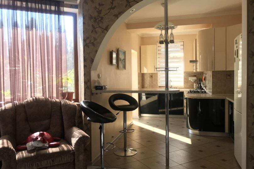 Дом, 200 кв.м. на 6 человек, 3 спальни, улица 1 Мая, 2Б, Алупка - Фотография 17