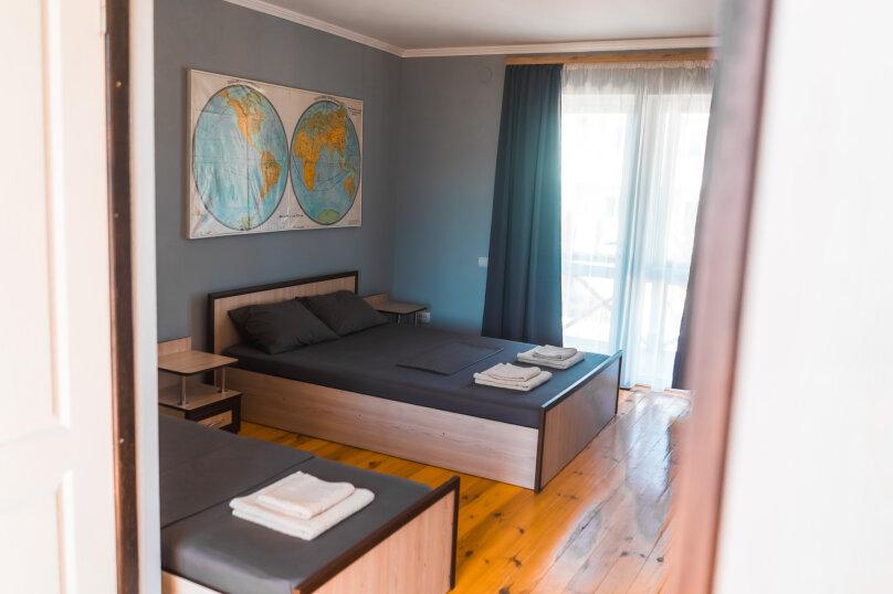 Стандарт с двухспальной и односпальной кроватью, Хале, 8, Судак - Фотография 1