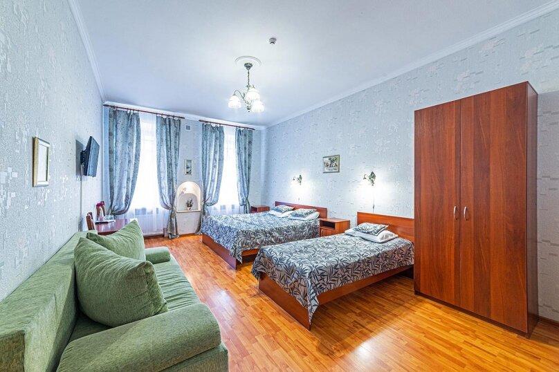 Семейный полулюкс, улица Некрасова, 58, 6 этаж, Санкт-Петербург - Фотография 1