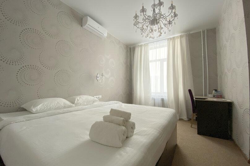 Улучшенный номер (с 1 двуспальной или 2 отдельными кроватями), Мопровский переулок, 65, Бийск - Фотография 1