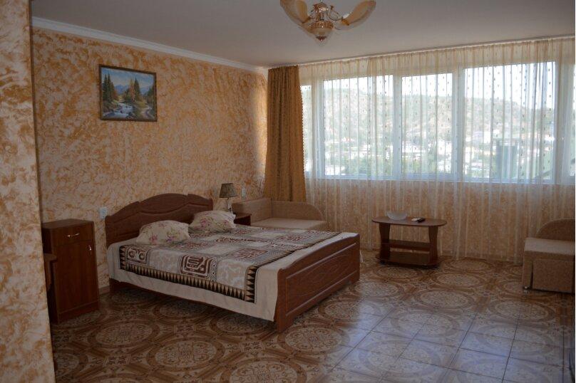 "Гостиница  ""Виталина"", Подгорная улица, 12 на 13 комнат - Фотография 14"