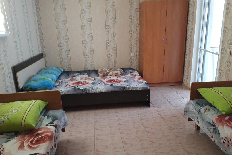 4х местный номер со своим мини двориком, кухней и кондиционером, улица Кирова, 43Б, Оленевка - Фотография 4