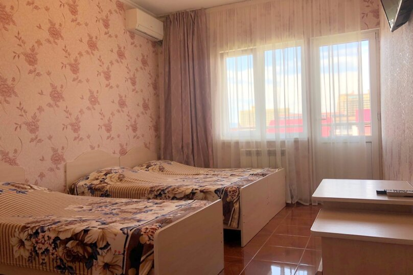 3 х местный улучшенный номер с балконом, Киевская улица, 13А, Адлер - Фотография 18