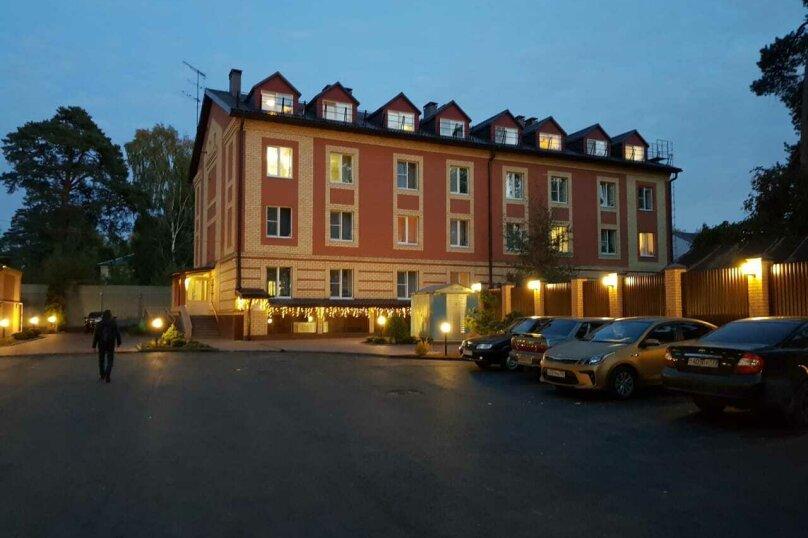"""Гостевой дом """"Томилино"""", улица Потехина, 11 на 27 комнат - Фотография 1"""
