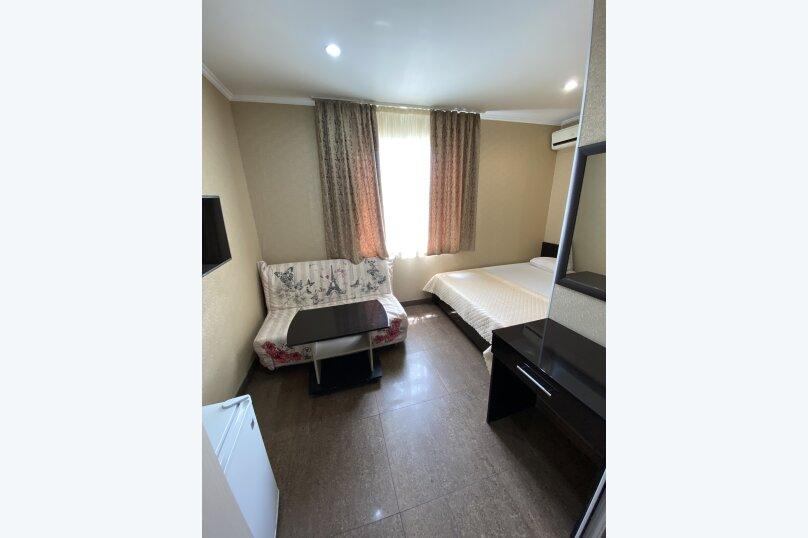 Комната с двухспальной кроватью 1 этаж, улица Короленко, 5, Адлер - Фотография 1