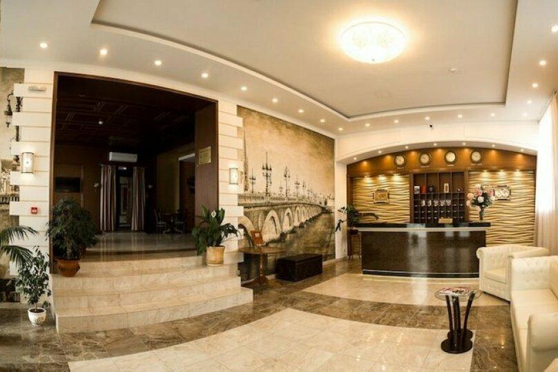 """Отель """"Премьер 4****"""", Республиканская улица, 22 на 15 номеров - Фотография 3"""