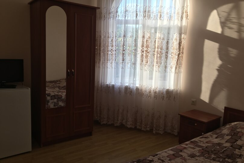 Двухместный номер с удобствами, Южная улица, 4, Черноморское - Фотография 1