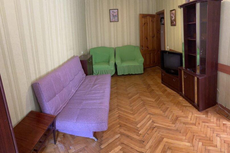1-комн. квартира, 30 кв.м. на 3 человека, улица Назукина, 2, Феодосия - Фотография 1