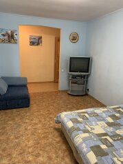 2-комн. квартира, 55 кв.м. на 5 человек, улица Сурикова, 10, Алупка - Фотография 1
