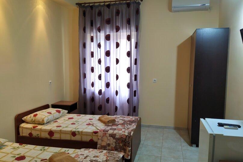 Двухместный с балконом (раздельные кровати), Мирный переулок, 8, Кабардинка - Фотография 1